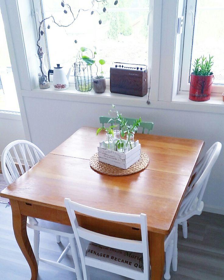 Spisebord / kitchen table / retro home  / budalstol / retrostyle / interiør