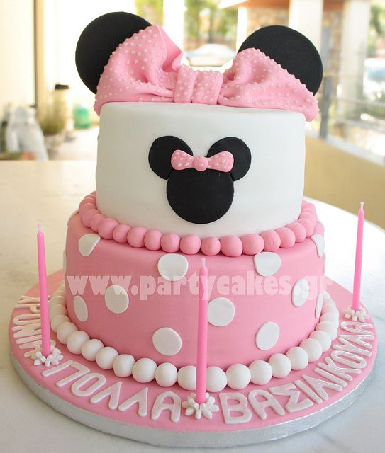 Minnie Mouse Cake-for everyone not sure I can do a bow from fondant.... will have to try... can make it from gum paste i think but it will be to hard to eat just for decoration?