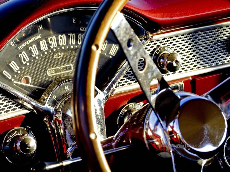http://www.genealogyintime.com/GenealogyResources/Wallpaper/Classic-Car-Images/images/1955_Chevrolet_dashboard.jpg