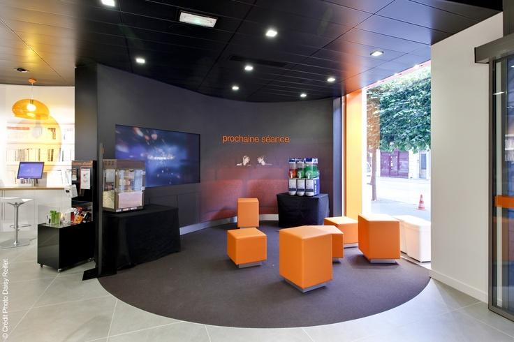 la tr s grande boutique orange de caen orange et le design pinterest ottomans boutiques. Black Bedroom Furniture Sets. Home Design Ideas