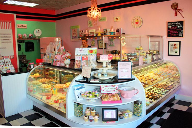cupcake bakery. Would love to own one of these one day ♡