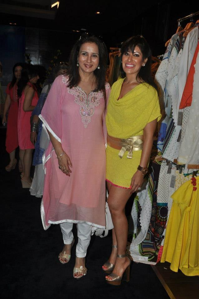 Maheka Mirpuri with Poonam Dhillon, #TheYellowRose,  Spring-Summer 2013, #HauteCouture