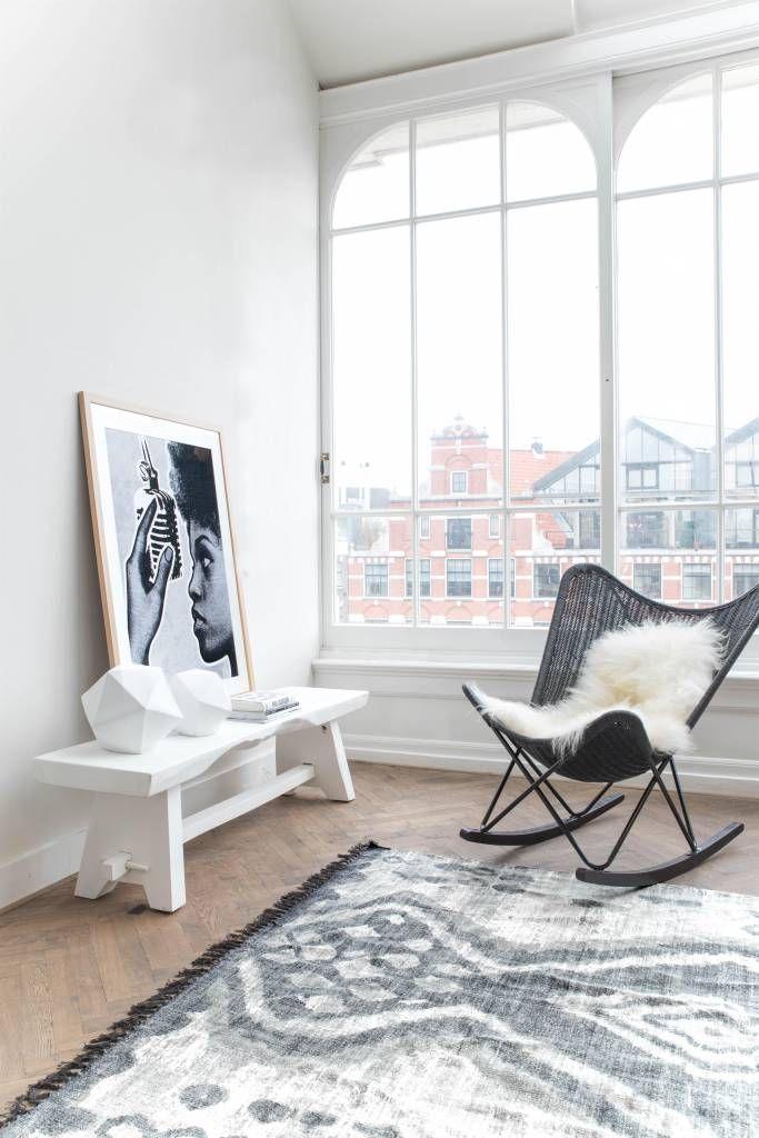 City living | Urban home | home | minimalist decor | home decor | decor | livingroom | room | spaces | Scandinavian | interior design | Schomp MINI