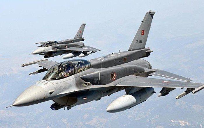 Sputnik Türkiye ///  Türk pilotlar, Rusya'daki uluslararası askeri uçak gösterisine katılabilir