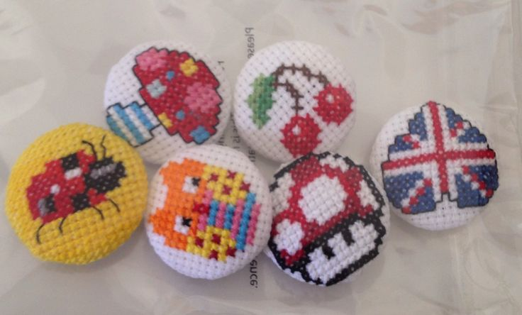 Cross stitch buttons :)