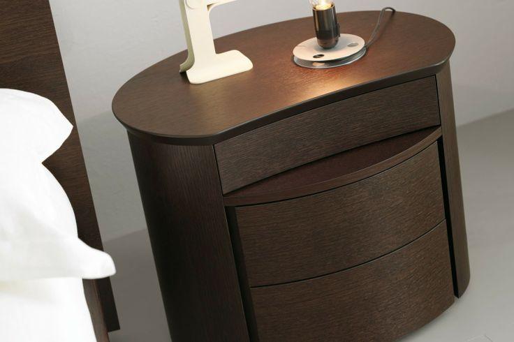 Camera da letto matrimoniale in legno 57 - comodino Diva (ora disponibile in ciliegio e rovere laccato poro aperto)   Napol.it