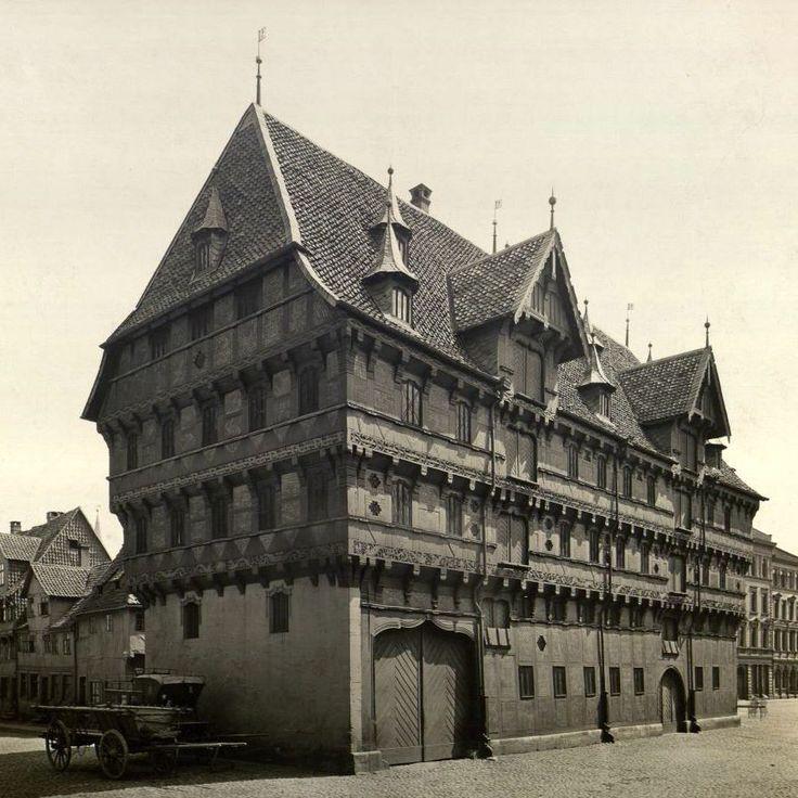 Braunschweig Alte Waage (um 1880) - Alte Waage (Braunschweig) – Wikipedia