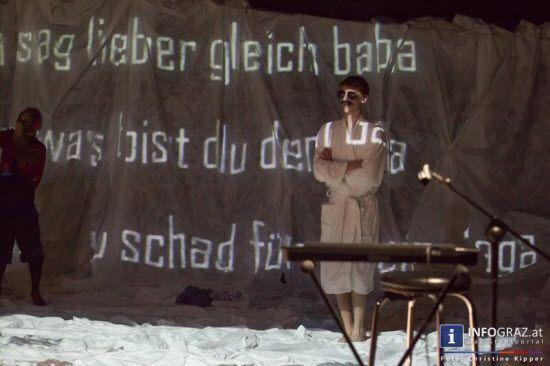 """Bilder aus dem  TAO - Theater am Ortweinplatz Graz: """"A free porn version of love"""".   #Bilder,#TAO,#Theater am #Ortweinplatz #Graz,A #free #porn #version of #love, #Simon #Windisch,#Benedikt #Kalcher,#Jonas #Prangl,#Alexandra #Schmidt,#Moritz #Steirer,#Nora #Winkler,#gespielte und #gelebte #Liebe,#erotische #Inhalte,#Pornografiekonsum,#Vorstellungen #junger #Menschen,#Liebe,#Sexualität,#Partnerschaft"""