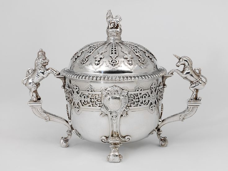 Christening cup and cover, Edward Feline, 1731, London, l Victoria and Albert Museum