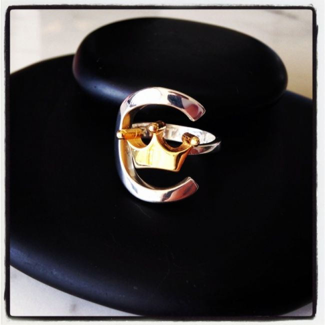 Ring with crown gold plated that symbolizes our logo company Crestal Queen from 925