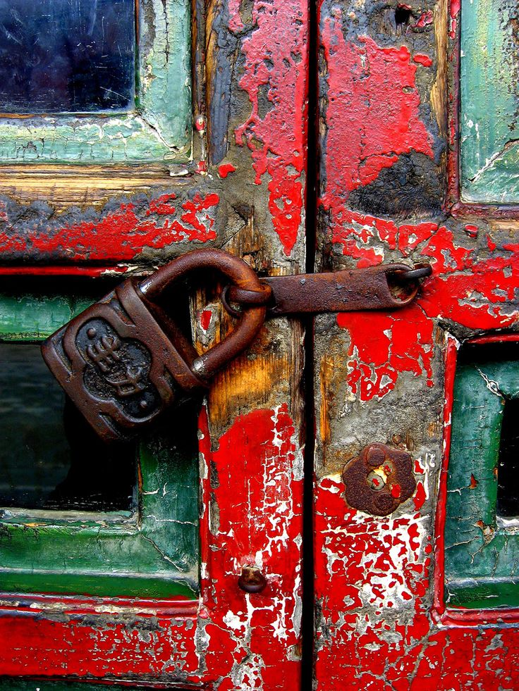 Summer Palace locked door, Beijing | by arcerminaro