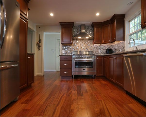 Best The Value Line Maple Cabinets With A Chestnut Stain Are 400 x 300