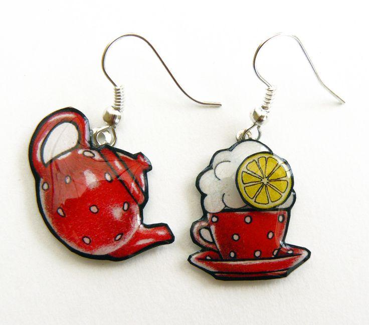 Boucles d'oreilles tasse et théière rouges à pois blanc : Boucles d'oreille par la-fee-cameleon