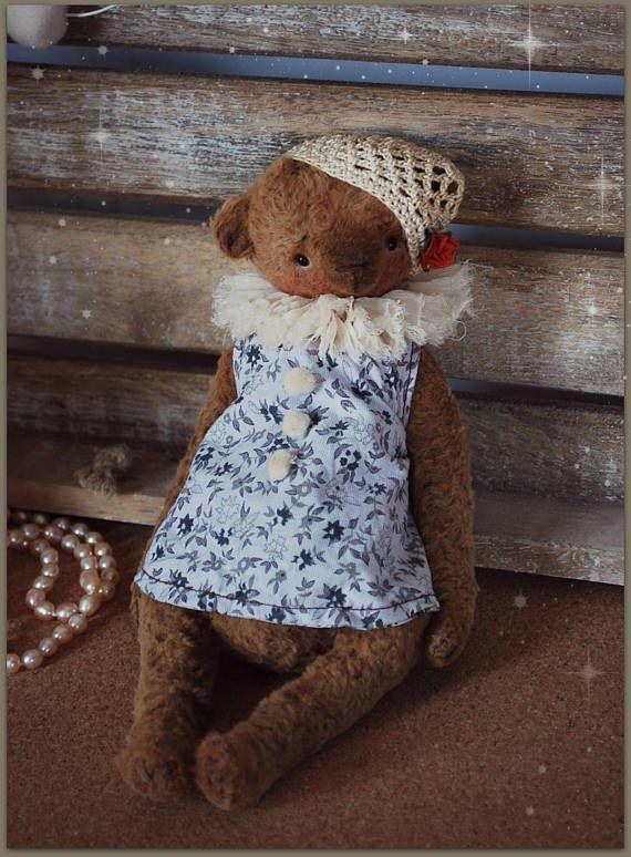 Sarah : OOAK Vintage Style Sweet Artist Teddy Bear by Natali