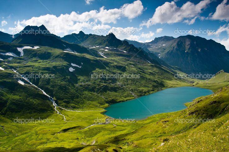 горный пейзаж с рекой кристалл — Стоковое изображение #3868340