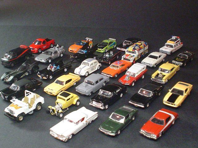 Modell autók 1:18 méretben