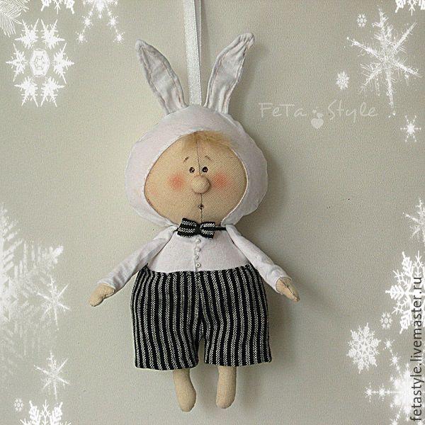 Купить Буду Зайчиком Текстильная кукла - подвеска Елка в детском саду - белый