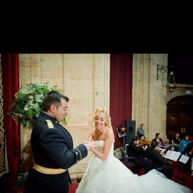 Our wedding with www.thehappyday.net