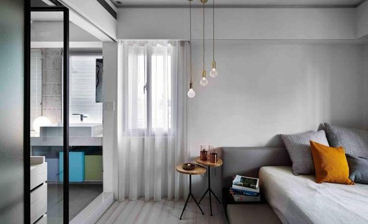 Минималистская тайваньская квартира от студии Waterform design площадью 100 квадратных метров была спроектирована для молодого модельера, обучающегося во Франции