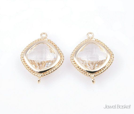 - High Polished Gold Plated over Brass Frame (Tarnish Resistant)  - Crystal Color Glass - Brass and Glass / 15mm x 19mm - 2pcs / 1pack