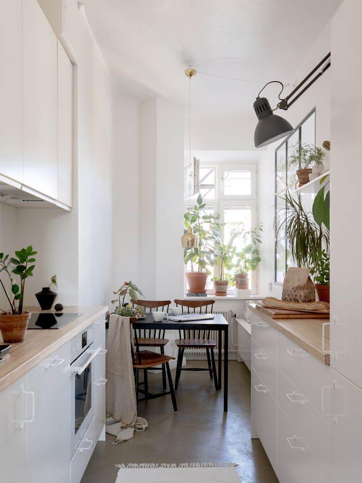 A White Plant Filled Scandinavian Apartment The Nordroom Home Decor Kitchen My Scandinavian Home Home