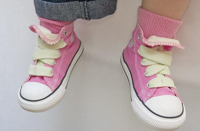 DIY elastic laces: EFFING BRILLIANT.