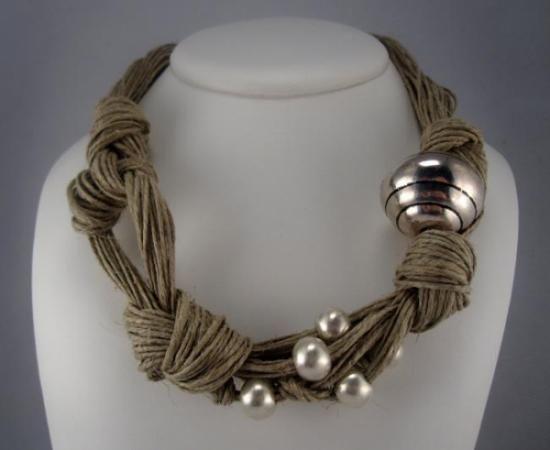 collar nudos abalorios plateados mate y brillante bola diseño xl  lino natural,perlas metal,metal plateado engarzado,anudado