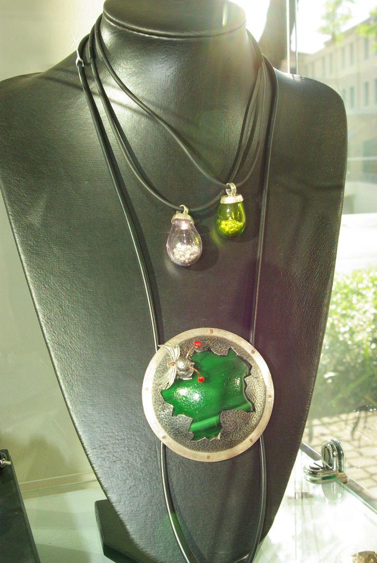 Art jewellery by Suvette Claassens