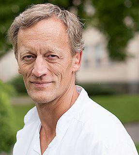 Professor Sørbye ble tildelt CarciNors forskningspris sammen med fagmiljø på Haukeland og Rikshospitalet. https://carcinor.wordpress.com/2014/05/05/carcinor-forskningspris-for-2013/