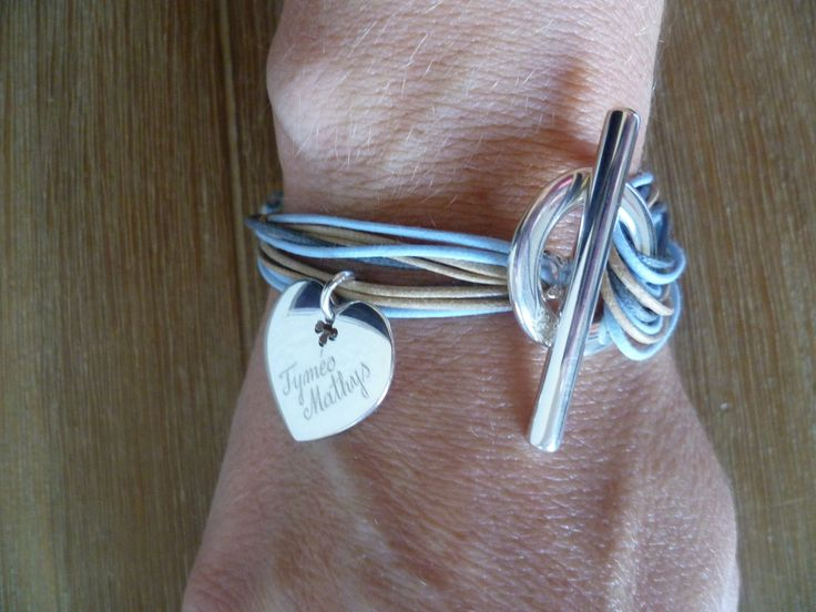Sonia, a happy client, sent us a picture of her wrist. Thanks! http://lilouparis.com/en/ready_made_sets#398