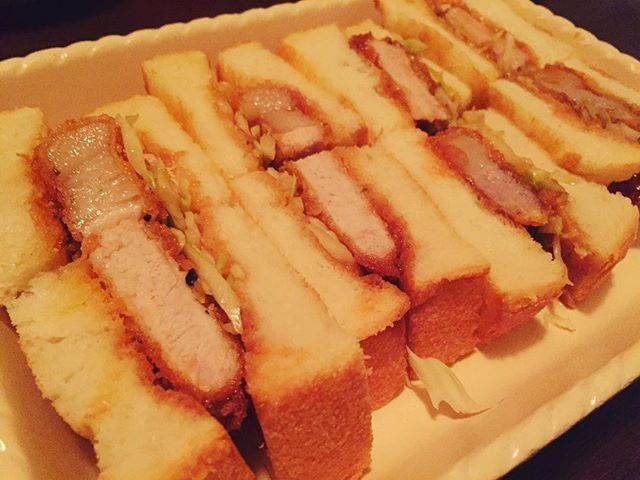 Tokyo Calendar Ginza 食事もしっかり美味しい銀座のバー『厨房酒場 カモメセラー』。ここでの〆はやっぱりカツサンド!#東京カレンダー#東カレ#銀座#バー