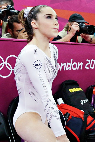 didn't matter that she sat down her 2nd vault. she would have her bitch face on either way.  McKayla <3