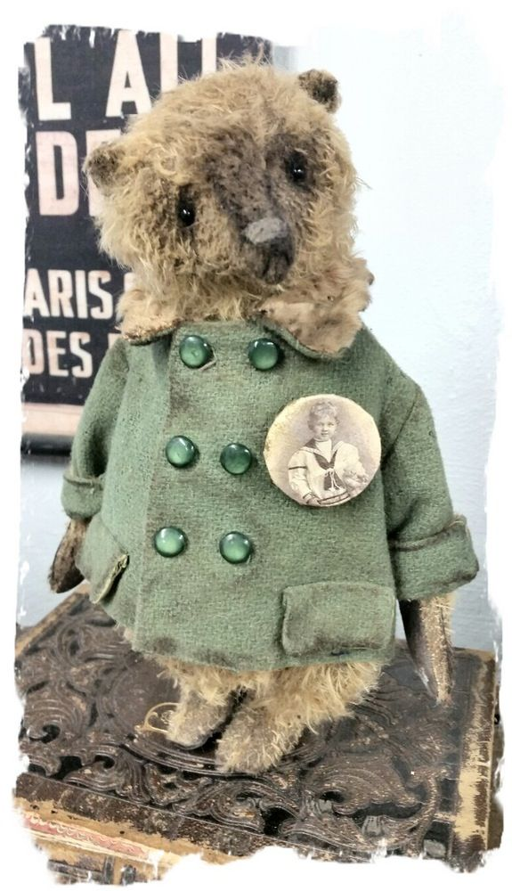 "Image of Antique Style 11"" Honey Gold Bear -Vintage Coat w/fur trim, Hat & old photo pin * By Whendi's Bears"