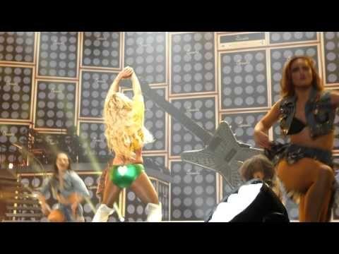 (18) Britney Spears - MATM, I love rock n' roll, Gimme More - Las Vegas 13 April 2016 - YouTube