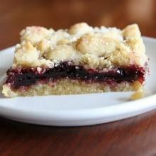 blackberry jam shortbread bars | Scrumptious | Pinterest