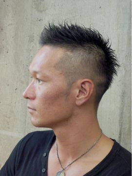 メンズ モヒカンスタイルのボウズ <ハート型顔向きヘア>