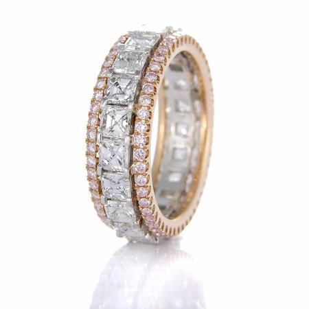 pink diamond, rose gold and asscher cut white diamonds... what a wedding band.