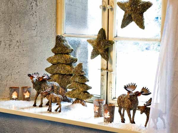 Window Sill Winter Decor Image