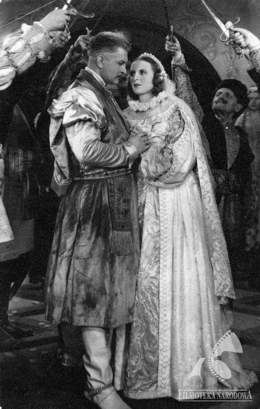 "lamus-dworski: "" Actors Franciszek Brodniewicz and Elżbieta Barszczewska in 1936 Polish movie ""Pan Twardowski"", set in 16th-century Poland [via Fototeka]. """
