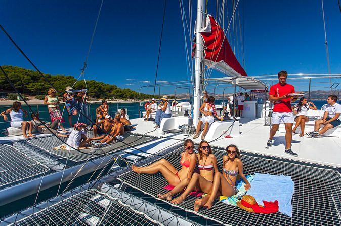 All Inclusive Taboga Island Excursion This is the perfect way to have an extraordinary day by going to the closest Island tothe city. Relax and discover the art of sailing on board the biggest open boat of the city. Sunbathe, lay down and enjoy thebig deck with huge nets and speakers. Thecatamaran has shaded areas for those who need a break from the sun.Enjoy the breathtaking views of the Panama city skyline, Cinta Costera and ships waiting to cross Panama Canal, until yo...