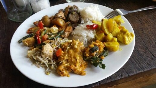 9 Wareng - Bali, Indonesia. Vegan  & vegetarian food