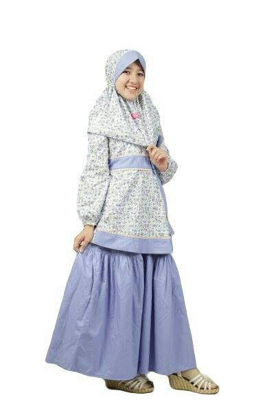 KOLEKSI GAMIS ANAK: Aini 160509 Biru  Bahan: Setelan dengan bahan katun yang dikombinasikan dengan motif bunga yang ceria.  Type : Atasan + rok + jilbab  Ready size 6 (Rp.270.000)