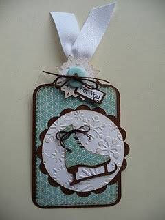 Love the snowflakes embossed on the white circle!  Cricut Winter Woodlands cartridge used for the skate.