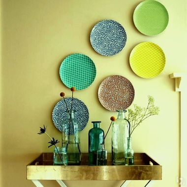 Interesting ideas for decor: Декоративные тарелки на стене.Decorative plates on the wall.
