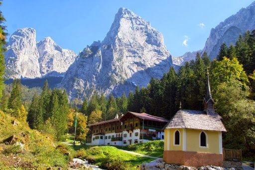 Die Kaiserkrone - majestätisch weitwandern rund um den Wilden Kaiser. http://www.weitwanderwege.com/wege/kaiserkrone/  (c) Bild: Tourismusverband Wilder Kaiser #wandern #weitwandern #trekking #tirol