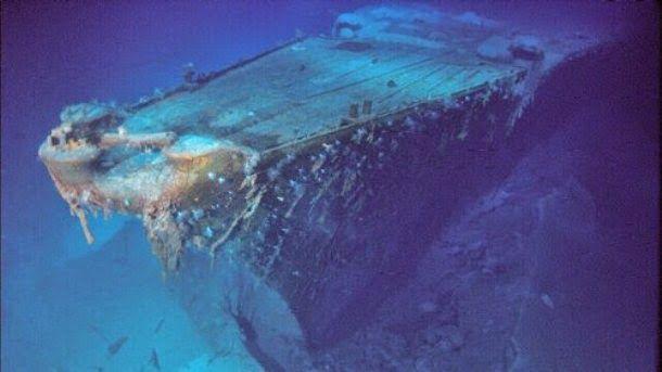 (Bismarck, Oceano Atlantico Norte) - Foi construído para a Marinha nazista em 1936. Em maio de 1941, foi severamente atacado pela frota britânica e afundado com grande perda de vidas. O naufrágio foi localizado em junho de 1989 no oceano Atlântico a uma profundidade de 15.700 pés.