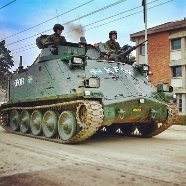 PBV 302 a Swedish built APC mwith a 30 mm Automatic canon. In service since 1966, now being phased out. Photo from the Swedish HQ Camp Victoria in Ajvalia, Kosovo 2002.  #pbv302 #apc #tank #armoured #kfor #kosovo