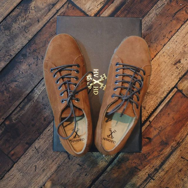 When day get rough, you'll need something to save your moment. This LTX Bronze from @havehad will cheer you up and boost up your style with its stunning suede material  Few stocks left at our store. Come get it while they lasts.  Order online by reaching us through Text/Whatsapp : 0888-06-111-027 Line : affairsstore BBM : 323D20AD  #footwear #askaboutlocal #casualyetclassy