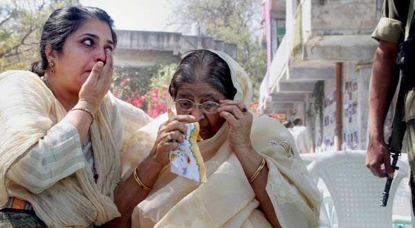 Zakia Jafri has failed to produce proof for further probe, says SIT - #IndiaTomorrow http://indiatomorrow.co/states1/3674-zakia-jafri-has-failed-to-produce-proof-for-further-probe-says-sit…