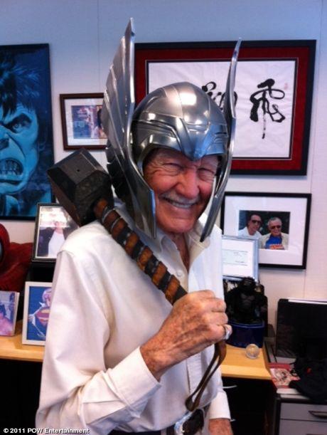 Stan Lee, everybody!
